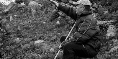 Teimuraz Nizharadze in Ushguli erklärt die Landwirtschaft | Stefan Applis
